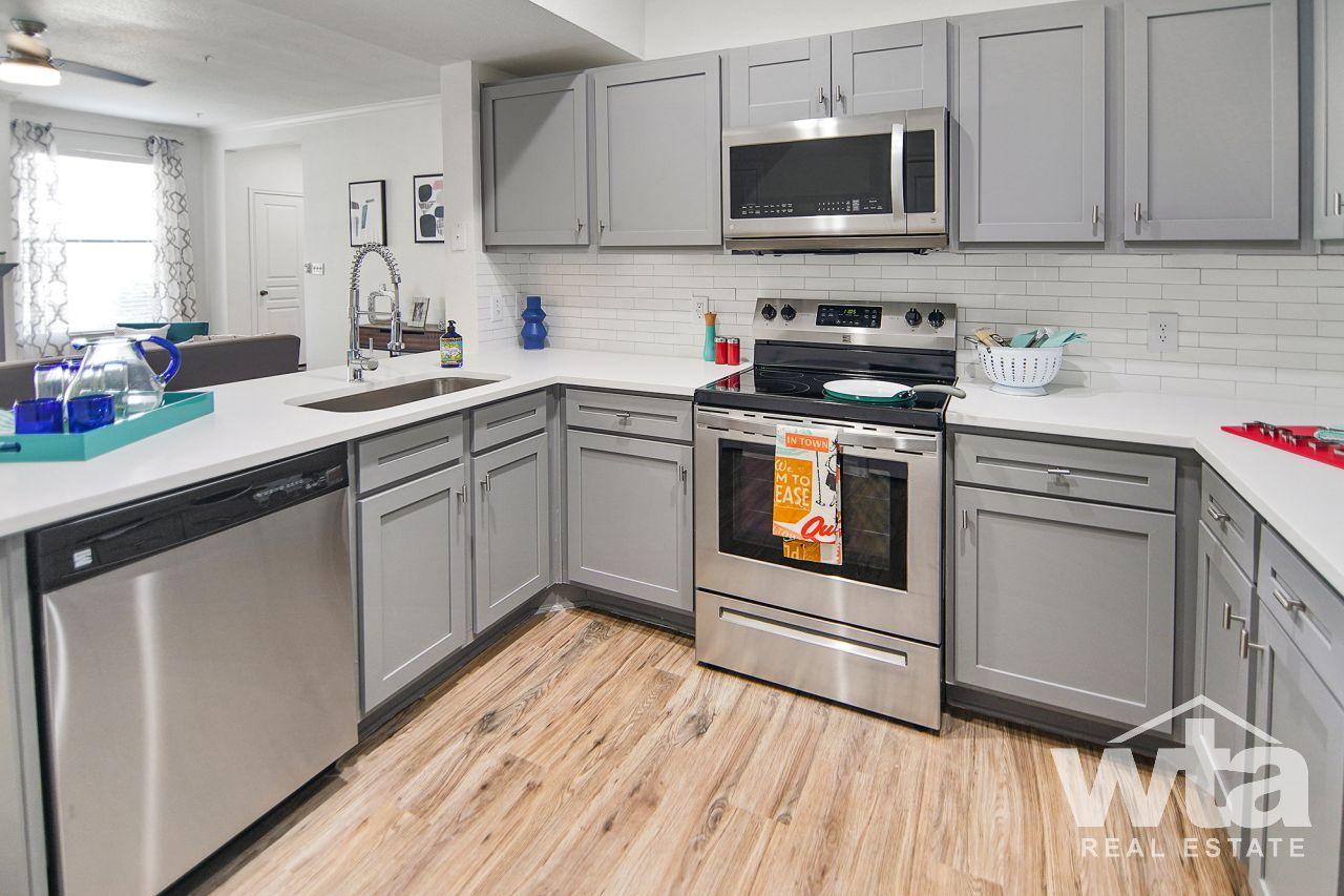 image 3 unfurnished 2 bedroom Apartment for rent in Horseshoe Bay, Northwest Austin