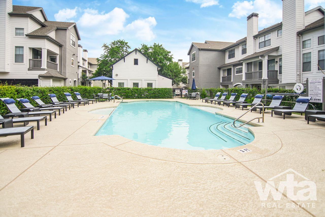 image 2 unfurnished 2 bedroom Apartment for rent in Horseshoe Bay, Northwest Austin