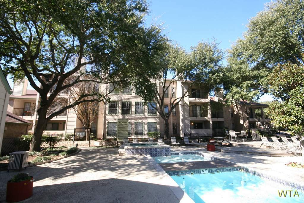 image 5 unfurnished 1 bedroom Apartment for rent in Other Central Austin, Central Austin