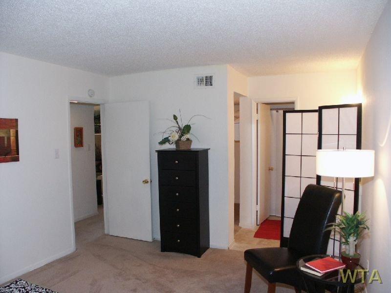 image 10 unfurnished Studio bedroom Apartment for rent in Horseshoe Bay, Northwest Austin
