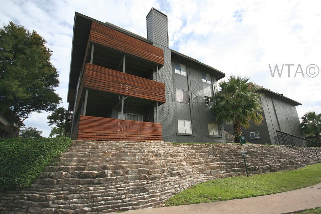 $1592 2 Tarrytown Central Austin, Austin