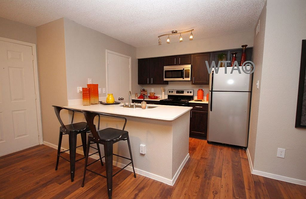 image 5 unfurnished 1 bedroom Apartment for rent in Horseshoe Bay, Northwest Austin