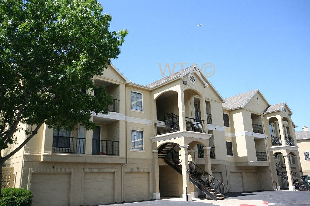 image 3 unfurnished 3 bedroom Apartment for rent in Horseshoe Bay, Northwest Austin