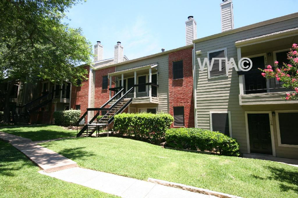 image 1 unfurnished 1 bedroom Apartment for rent in Sunset Valley, Central Austin