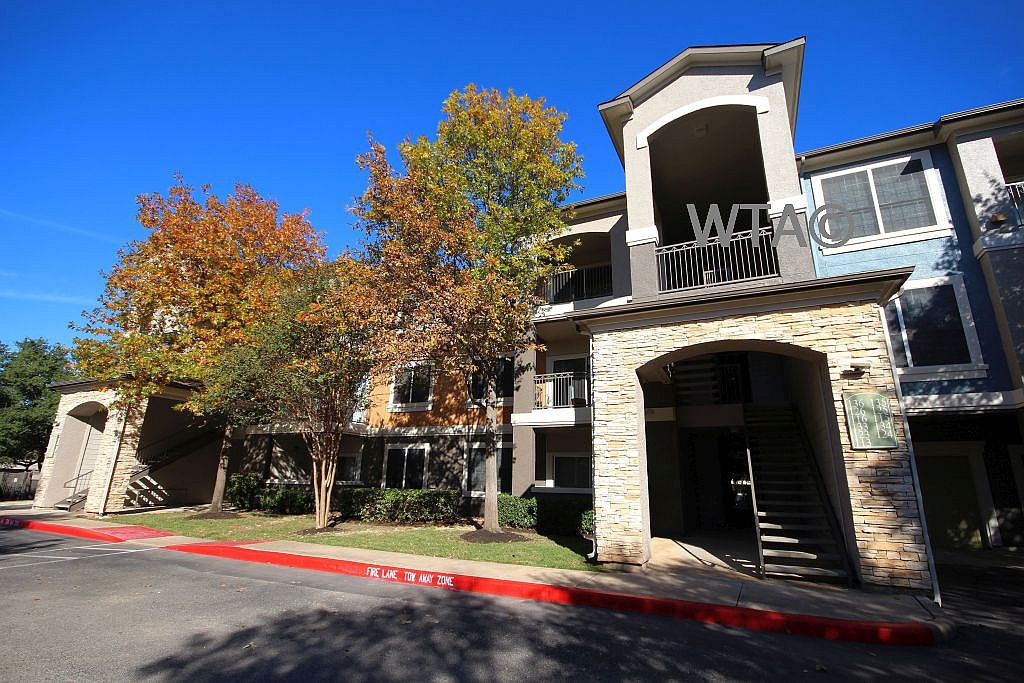 image 1 unfurnished 2 bedroom Apartment for rent in Horseshoe Bay, Northwest Austin