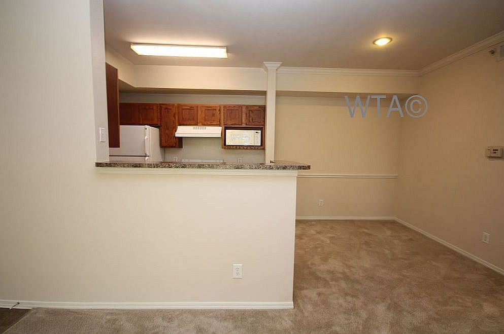 image 6 unfurnished 3 bedroom Apartment for rent in Horseshoe Bay, Northwest Austin