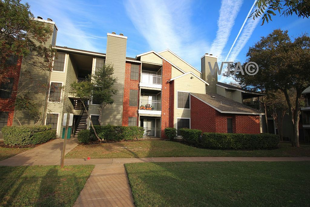 image 1 unfurnished 1 bedroom Apartment for rent in Horseshoe Bay, Northwest Austin