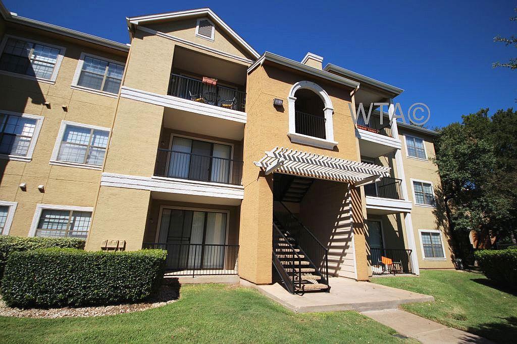 image 1 unfurnished 1 bedroom Apartment for rent in Horseshoe Bay, Northwest Austin