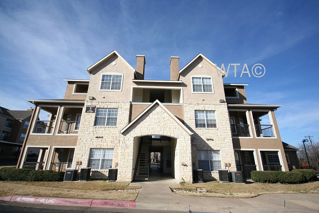 image 2 unfurnished 1 bedroom Apartment for rent in Round Rock, North Austin