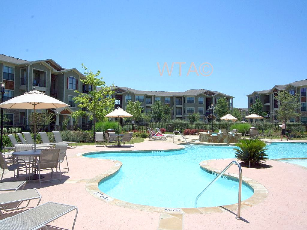 image 3 unfurnished 1 bedroom Apartment for rent in Horseshoe Bay, Northwest Austin