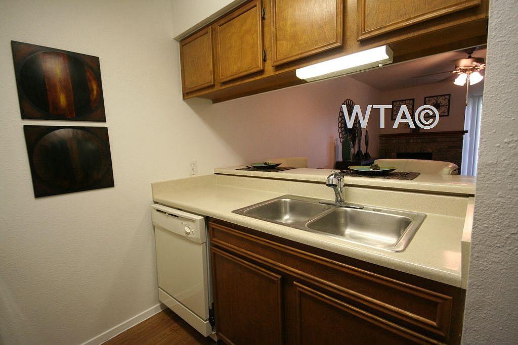 image 4 unfurnished 1 bedroom Apartment for rent in Other NE Austin, Northeast Austin