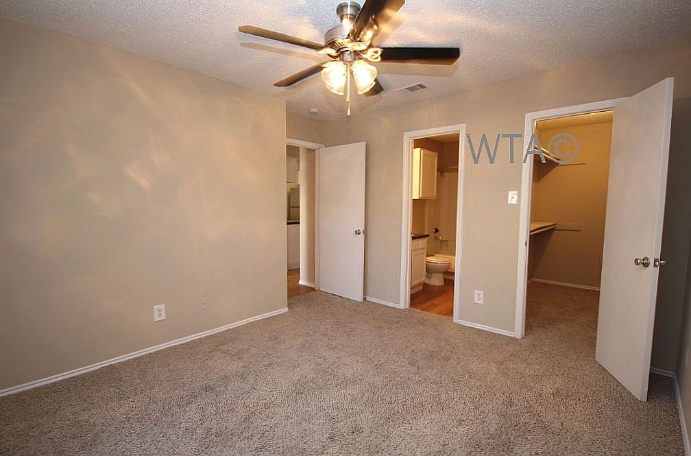 image 9 unfurnished 1 bedroom Apartment for rent in Horseshoe Bay, Northwest Austin