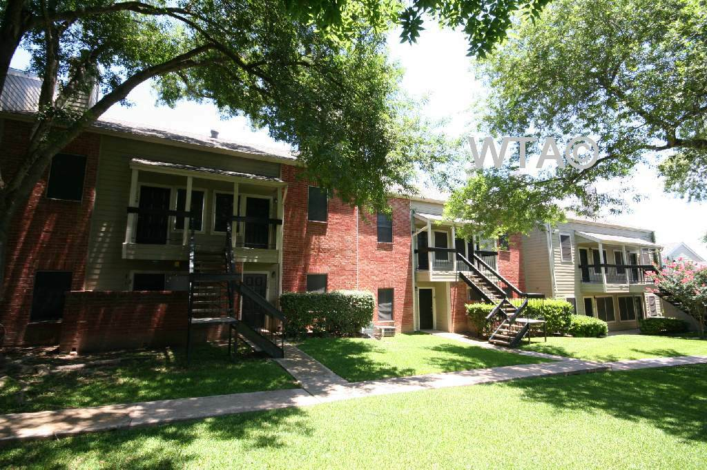 image 3 unfurnished 1 bedroom Apartment for rent in Sunset Valley, Central Austin