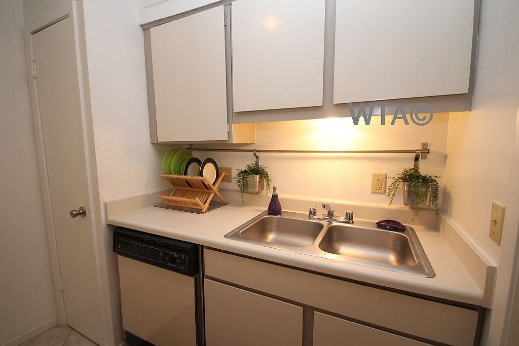 image 6 unfurnished Studio bedroom Apartment for rent in South Congress, South Austin