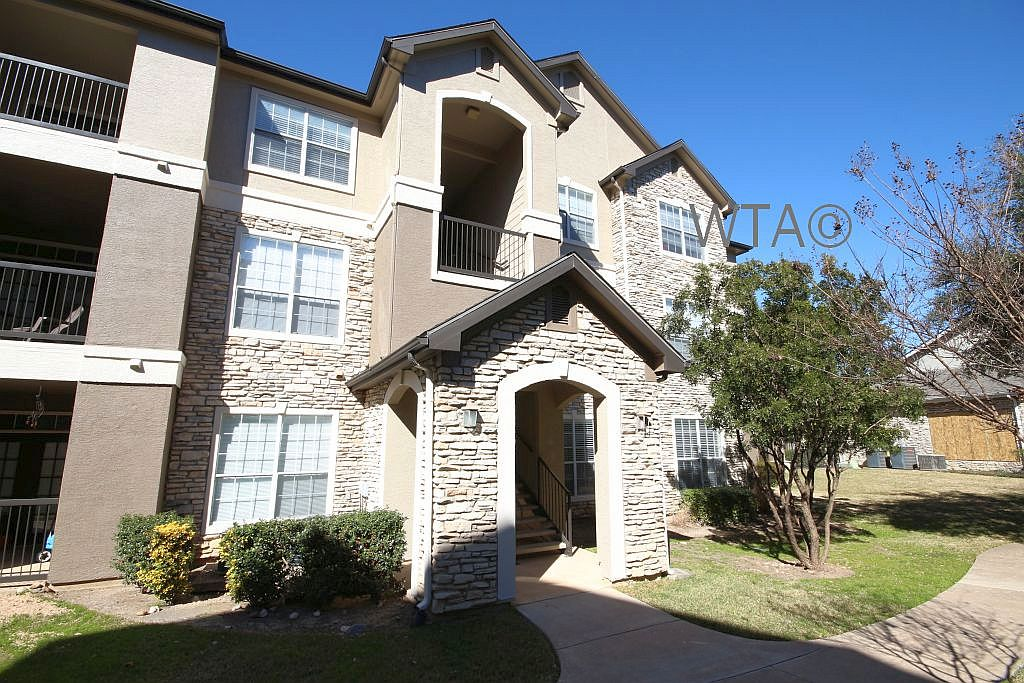 image 1 unfurnished 3 bedroom Apartment for rent in Wells Branch, Central Austin